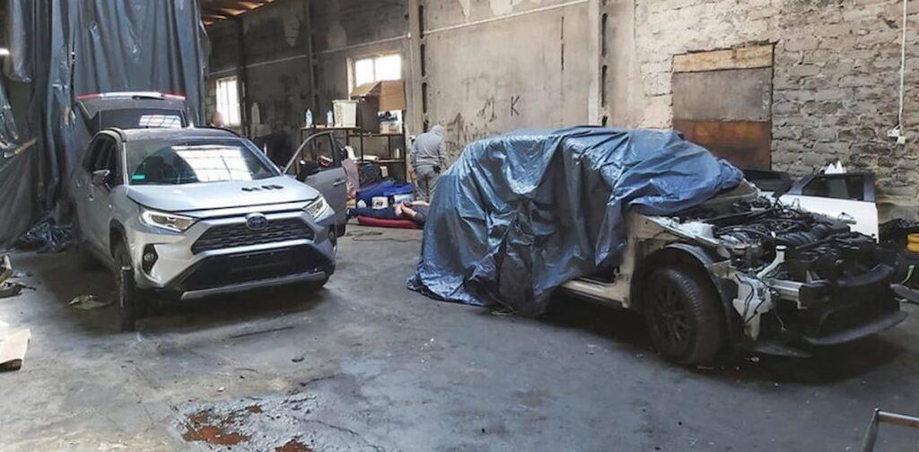 Skradzione samochody dziupla